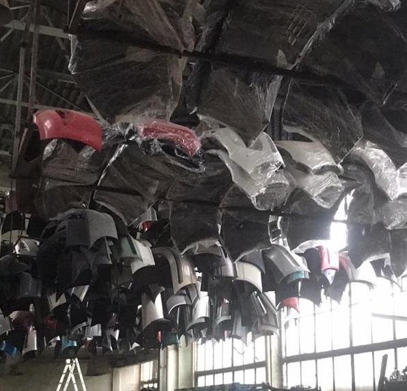 На Закарпатті викрито склад із дороговартісними автозапчастинами / фото zak.gp.gov.ua