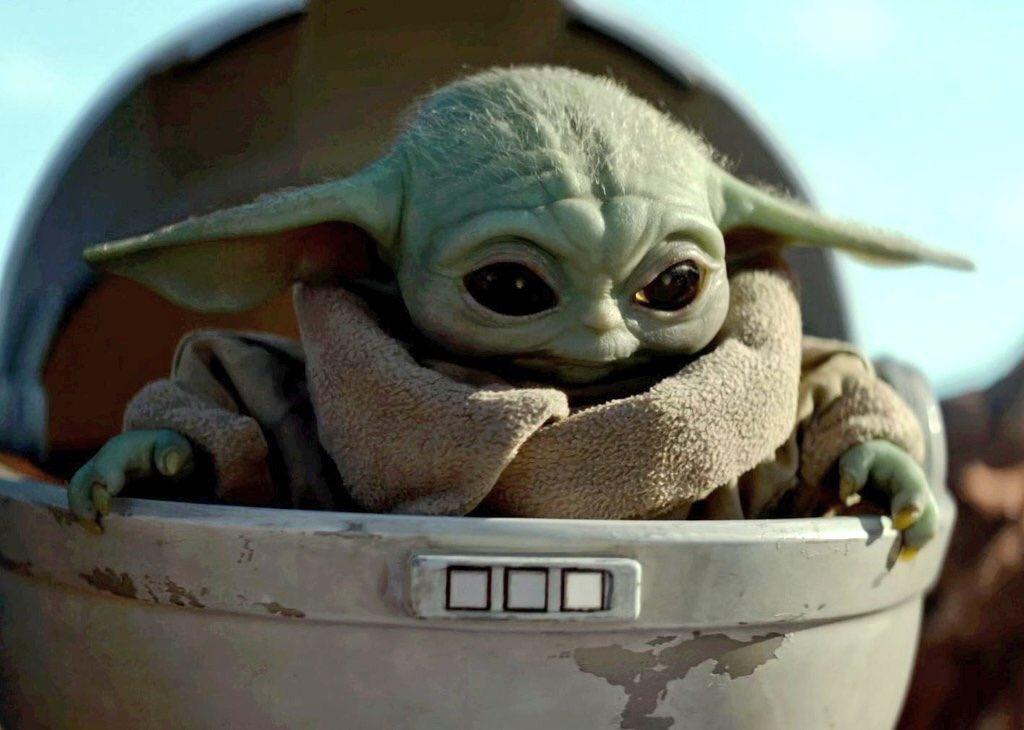 "Соцмережі підкорені ""малюком Йодой"" / Twitter, Baby Yoda - скріншот з серіалу ""Мандалорець"""""
