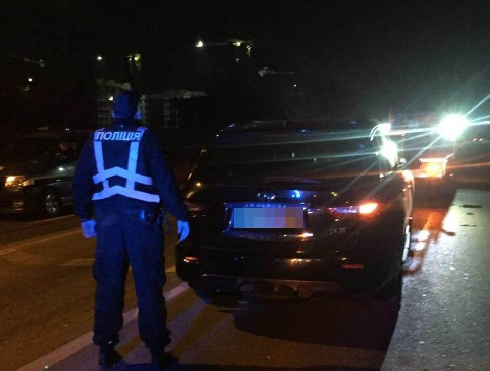 Infiniti сбил мужчину / полиция Одесской области