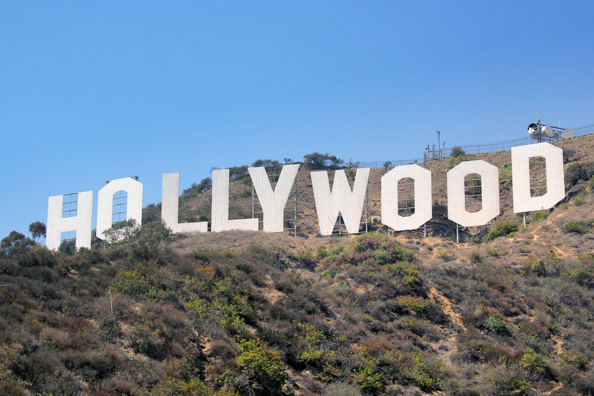 Ngày 13 tháng 7 năm 1923, khi bạn đang ở đây, ở đây, hãy xem phim của tôi ở Hollywood.