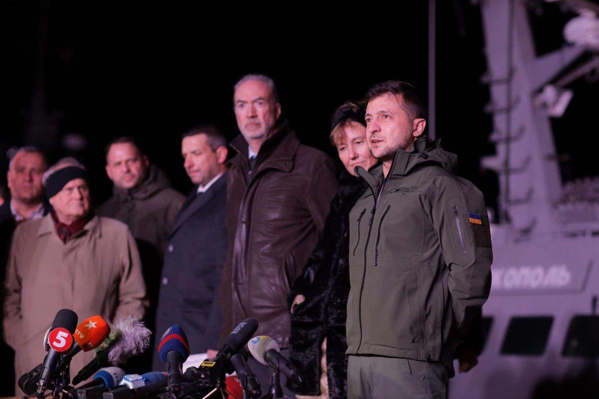 Зеленский отметил, что Украина параллельно будет проводить ремонт этих кораблей / фото: Зеленский/Telegram