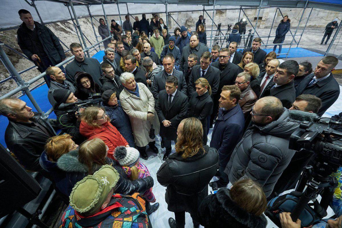 Зеленский проинспектировал строительство музея Революции Достоинства / фото president.gov.ua
