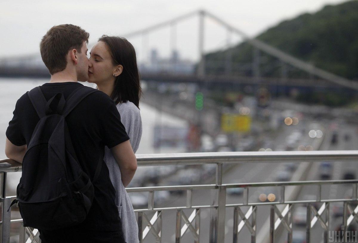 Люди в здоровых отношениях могут иметь личные секреты / фото УНИАН