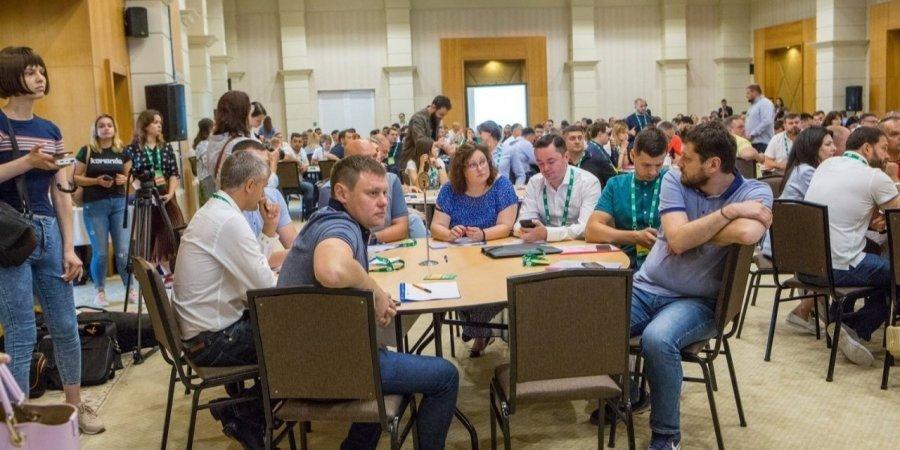 Перша «школа депутата» для нардепів від Слуги народу пройшла в липні / фото Наталія Кравчук / НВ