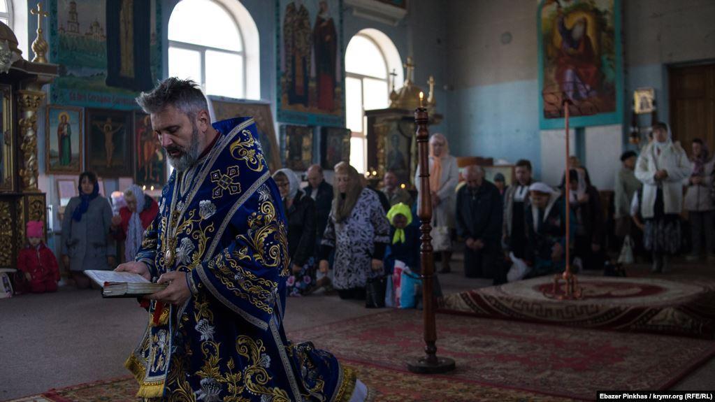 Богослужения в соборе ПЦУ в Симферополе / фото krymr.com