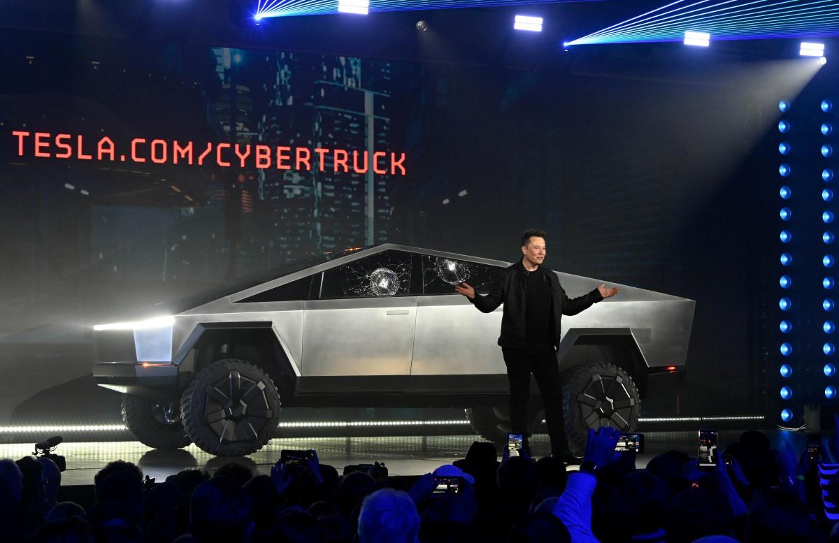 Презентация пикапа Cybertruck / REUTERS