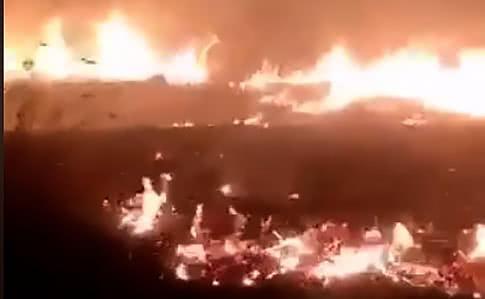 В результате обстрела загорелась сухая трава / скриншот видео