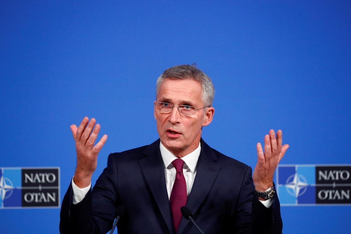 Столтенберг заявил, что решение о готовности Украины к членству в НАТО зависит от всех 30 стран-членов / фото REUTERS