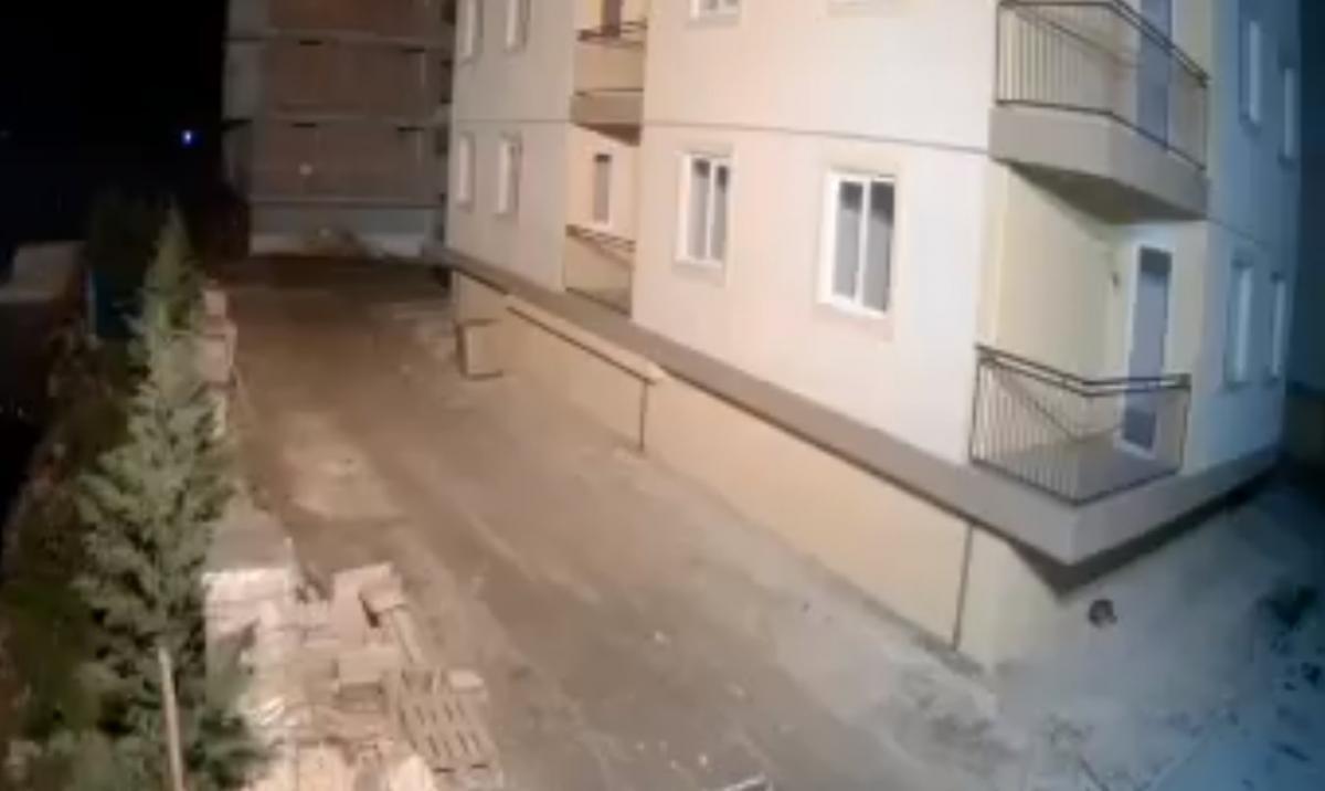 Землетрясение в Албании попало на видео / Скриншот,  Twitter, La Plume Libre