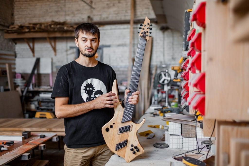 Мультимензурна гітара. З особистого архіву Богдана Тодчука