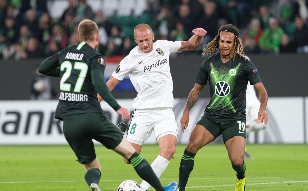 Матч в Германии также завершился поражением команды Шарана / twitter.com/vfl_wolfsburg