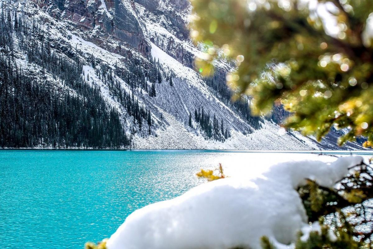 Среди лидеров – канадский курорт Lake Louise / americantravel.ru