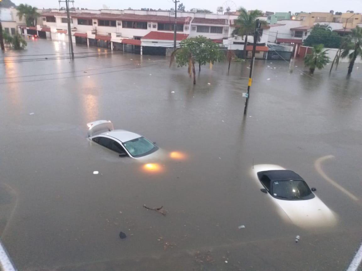 Проливной дождь затопил город Масатлан в Мексике / twitter.com/ElSoldeMzt