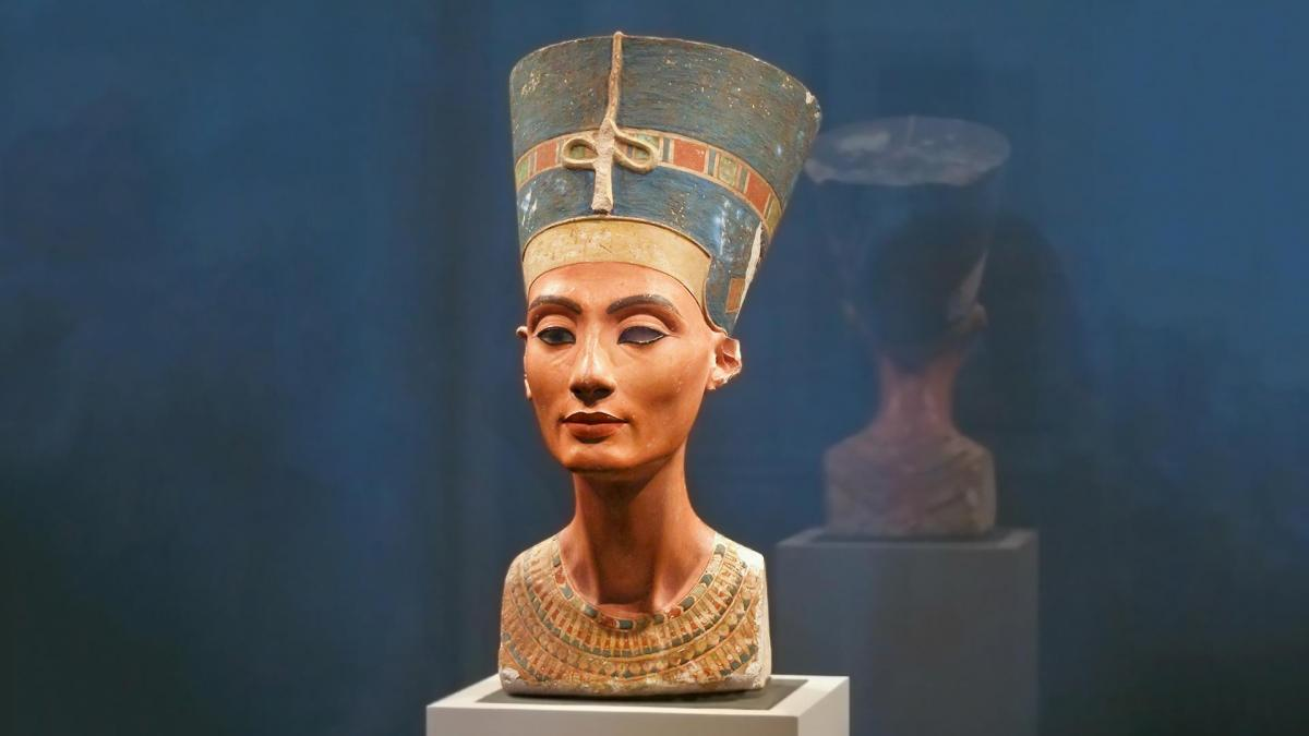В Египте нашли бюст Нефертити / iz.ru