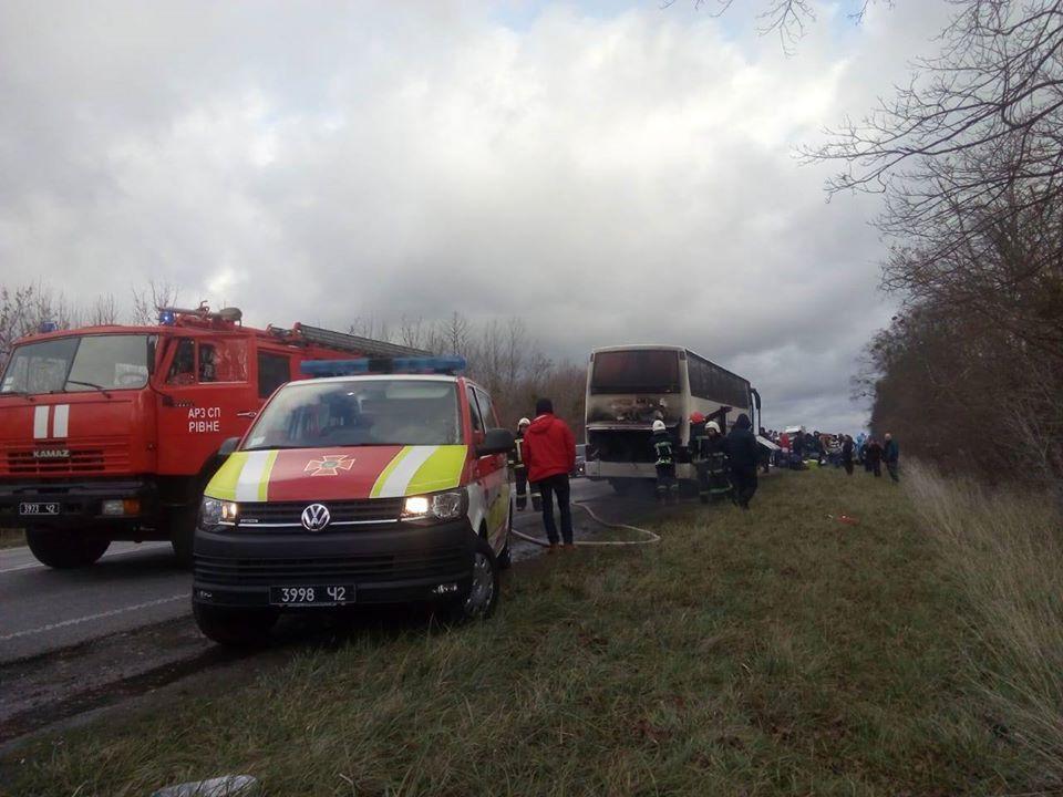 Водитель самостоятельнотушил пожар / пресс-служба ГУ ГСЧС в Ровенской области