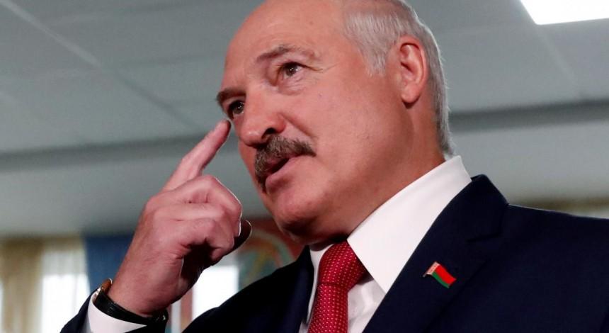 """""""Вы у себя порядок наведите"""": Лукашенко заявил, что ему не нужны зарубежные посредники для решения ситуации в стране"""