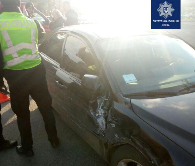 У Києві після переслідування затримали п'яного водія Mazda / Патрульна поліція Києва