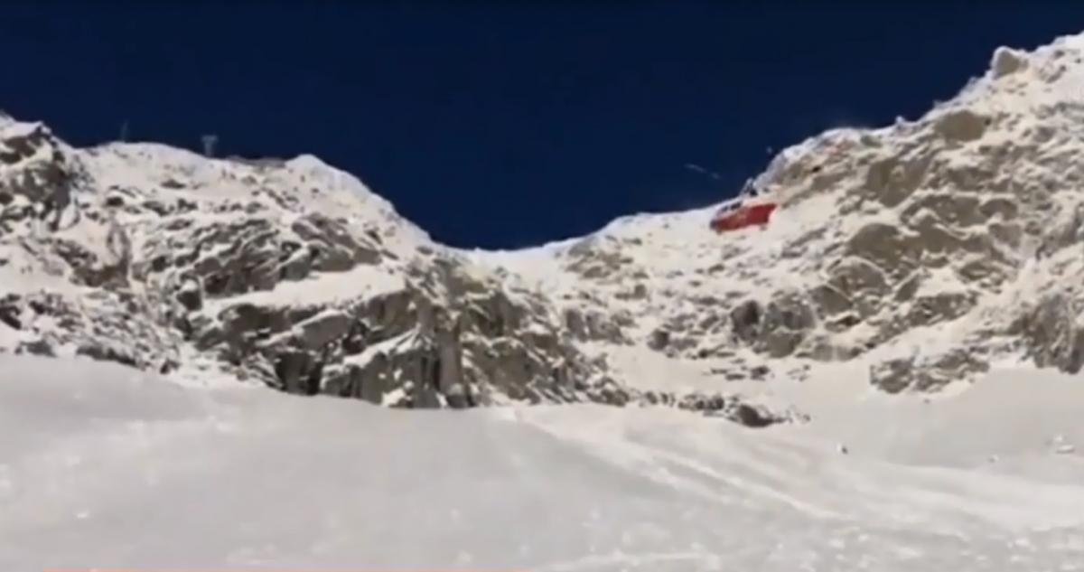 Двое туристов погибли на горе Монблан / скриншот