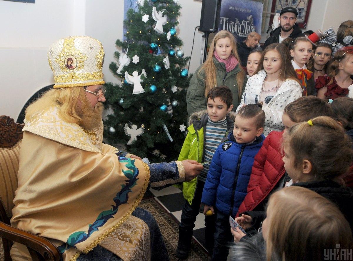 Святой Николай готов к общению с детьми / фото УНИАН
