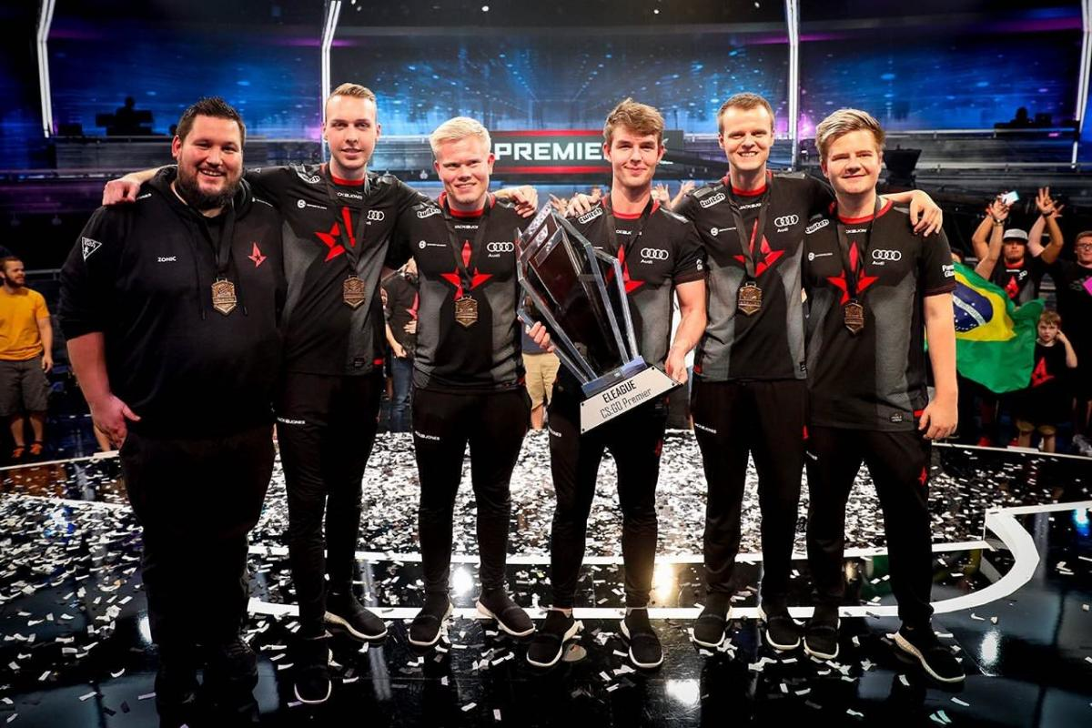 Astralis - чемпионы мира по Counter-Strike: Global Offensive / Hellraisers.pro