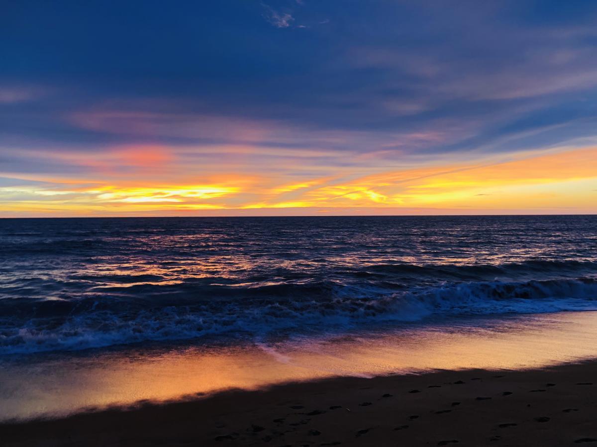 Невероятной красоты закат на берегу Индийского океана / Фото Вероника Кордон