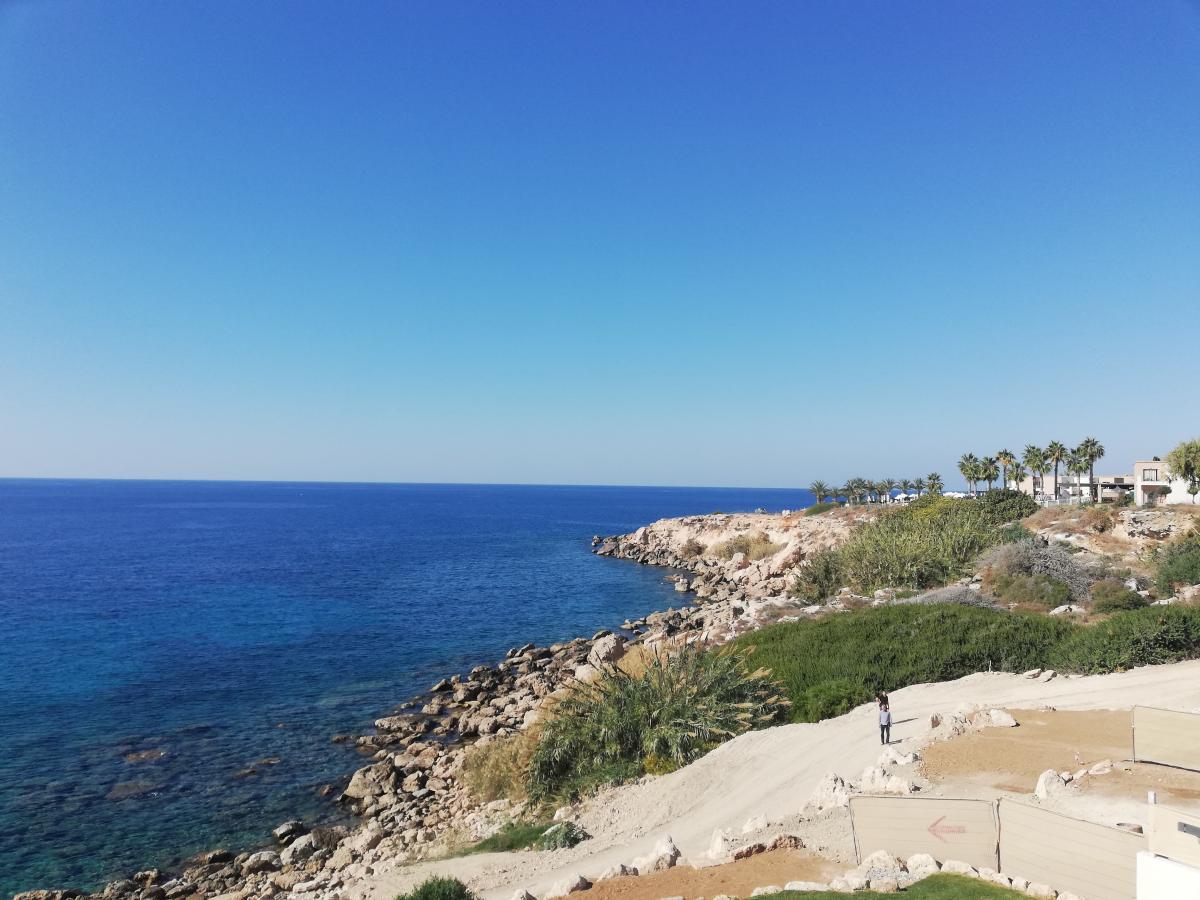 Многие виллы на Кипре выходят окнами к морю / Фото Марина Григоренко