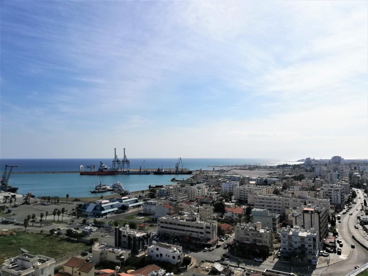 Так сейчас выглядит зона в районе порта Ларнаки / Фото Марина Григоренко