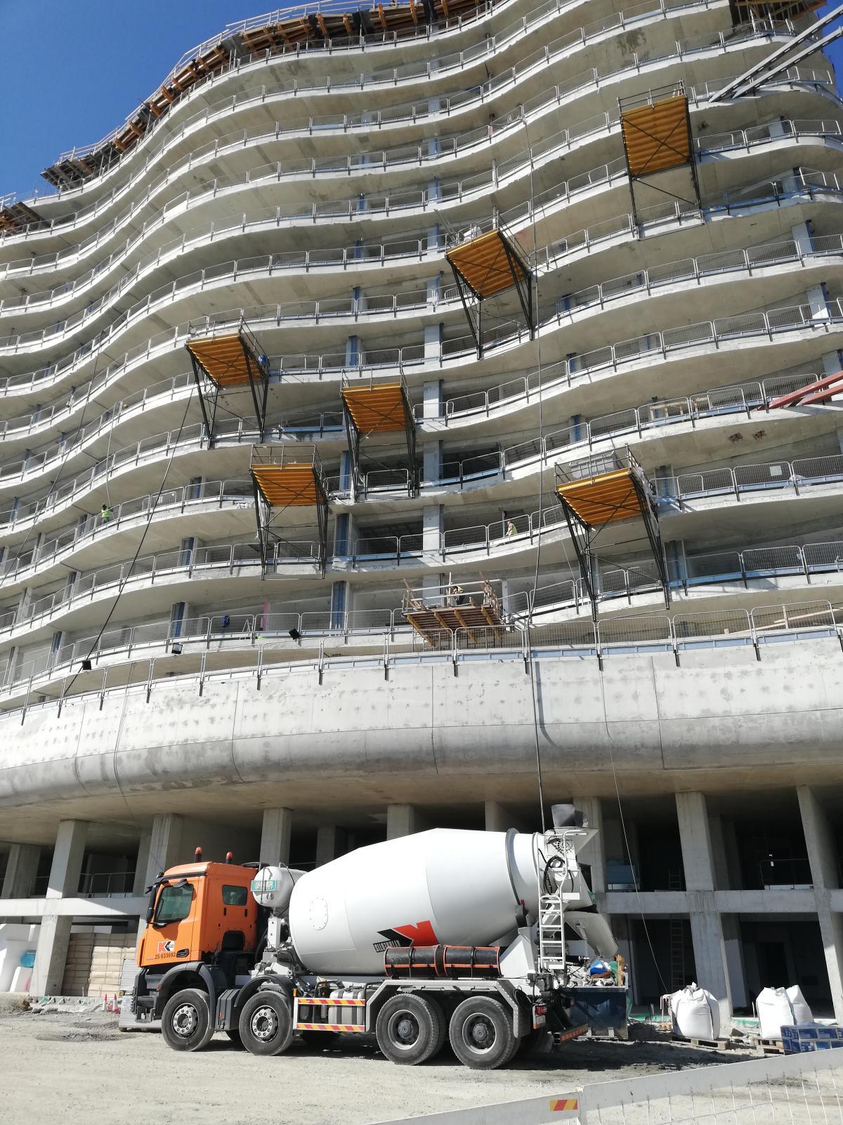 Проект Limassol Del Mar сейчас в активной фазе строительства / Фото Марина Григоренко