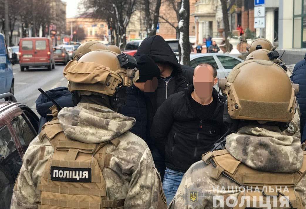 Вымогателям грозит от 3 до 7 лет тюрьмы / фото ГУ НП в Днепропетровской области