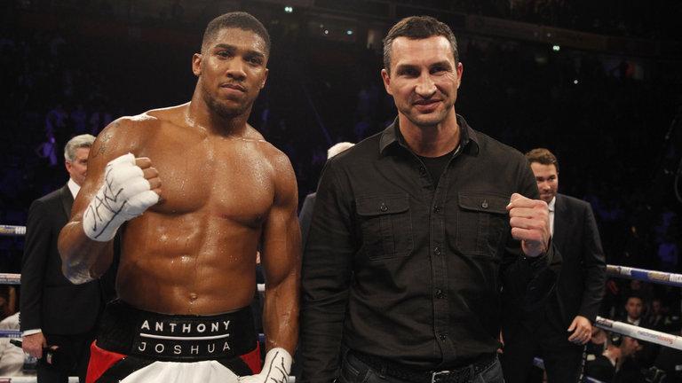 Джошуа победил Кличко в 2017 году / фото: BoxingScene