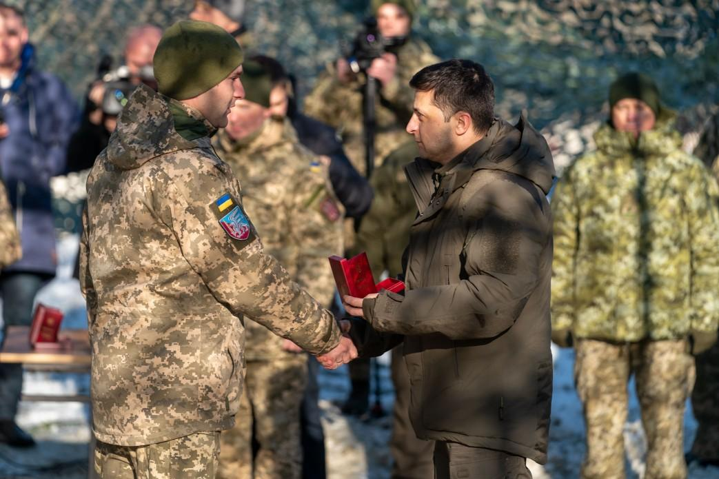 Зеленский наградил военнослужащих орденами \ president.gov.ua