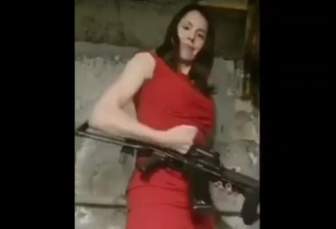 Татьяна Черновол с автоматом/ скриншот