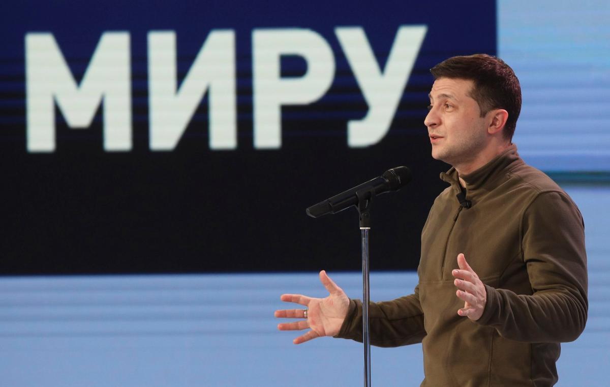 """Зеленский: """"Мы хотим закончить войну и вернуть наших людей"""" / фото facebook.com/president.gov.ua"""