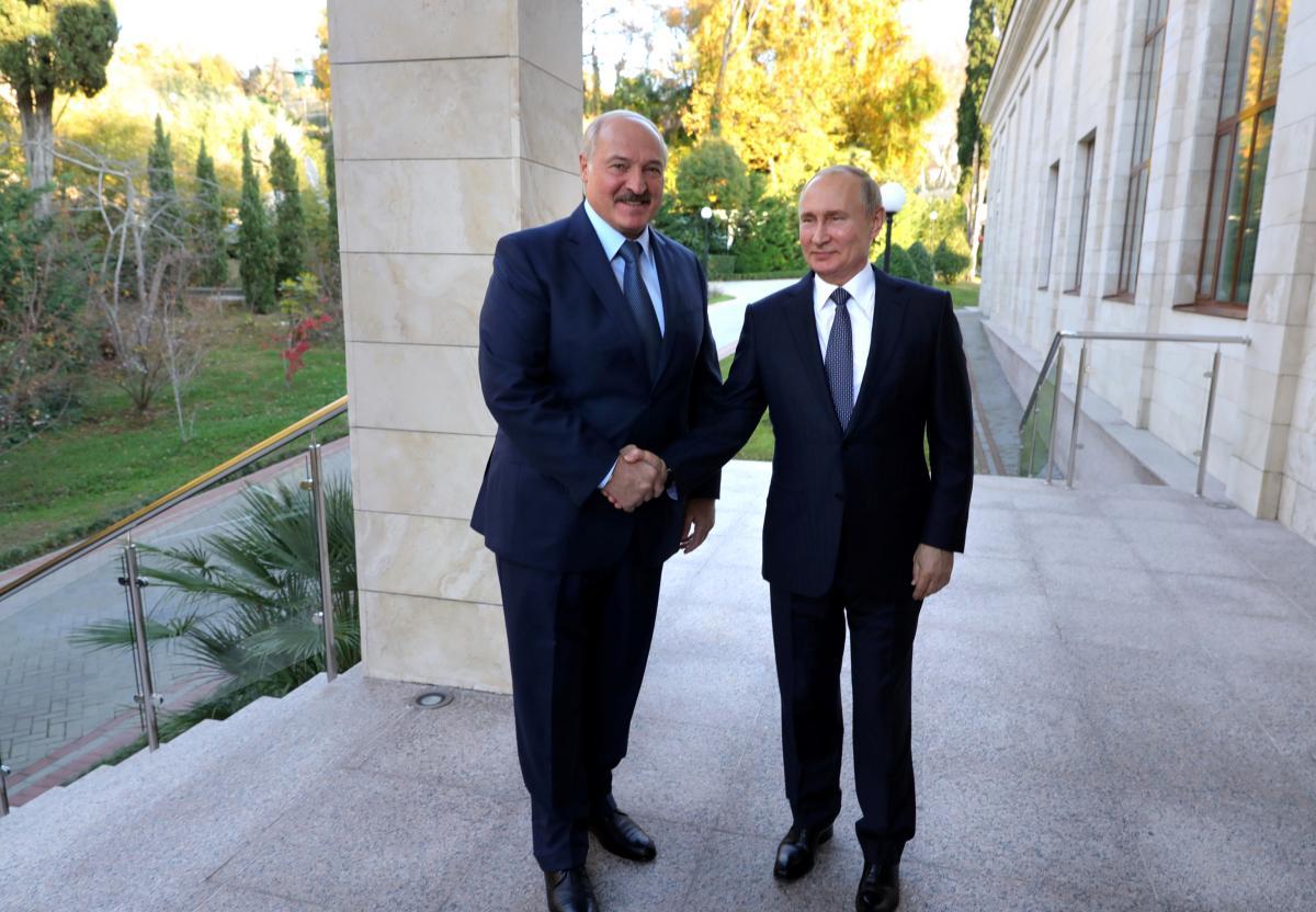 Президент Беларуси Александр Лукашенко и президентРФ ВладимирПутин \ REUTERS