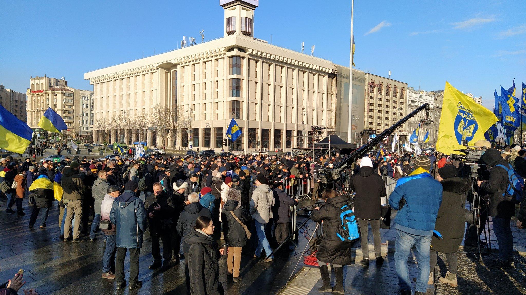 На Майдане проходит вече / Twitter, Solonyna Yeugen