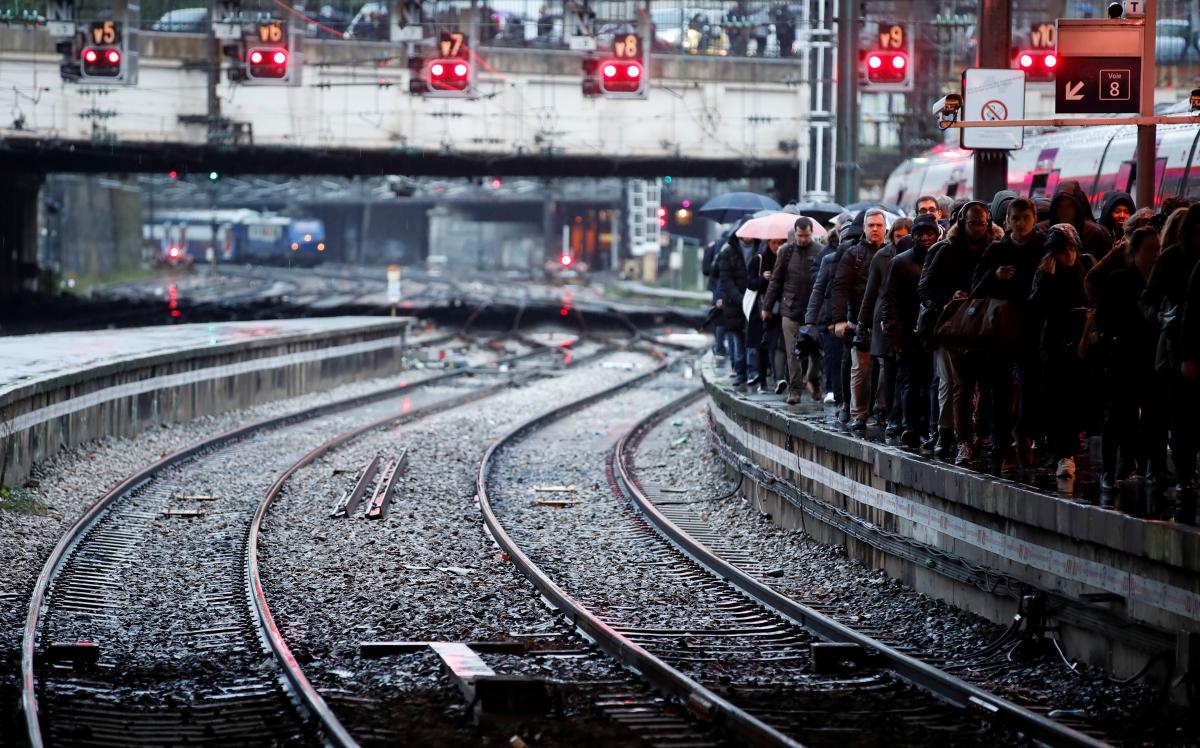 Страйк у Франції триває вже п'ятий день / Фото REUTERS