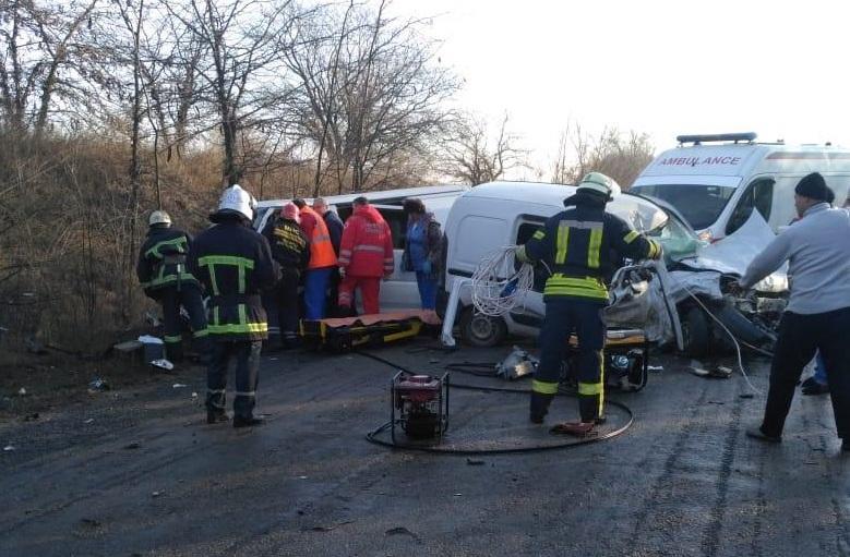 Столкнулись Renault Kangoo и Mitsubishi / фото: od.npu.gov.ua