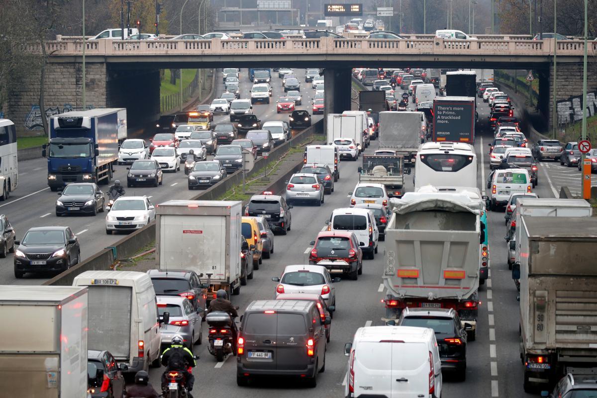 На українських водіїв чекають регулярні перевірки / Ілюстрація REUTERS