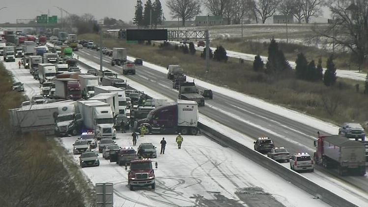 В Айові через негоду зіткнулися 50 автомобілів / twitter.com/KCCINews