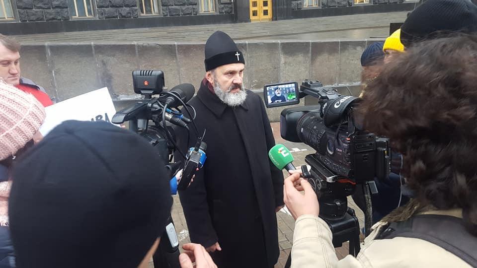 Климент требует встречи с главой правительства /фото facebook.com/olenka.khalimon