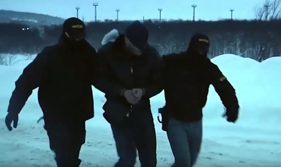 В Росії чоловіка звинуватили в тероризмі і затримали / Відео ЦГЗ ФСБ, скріншот, Youtube