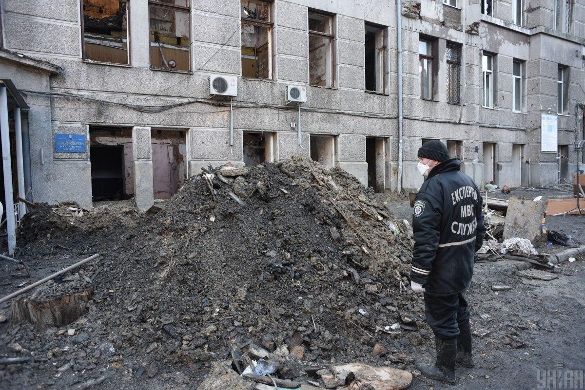 Суд поместил директора сгоревшего колледжа под круглосуточный домашний арест / фото УНИАН