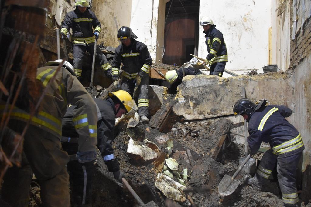 Через пожежу в коледжі Одесизагинули 16 осіб/ фото ДСНС
