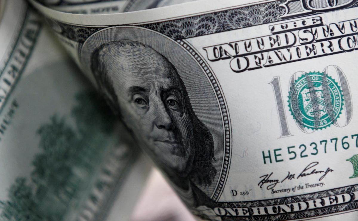 Доллар может упасть до 20% на фоне восстановления мировой экономики / REUTERS