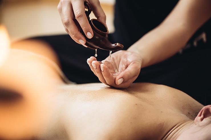 Как делать тантрический массаж / фото Shutterstock