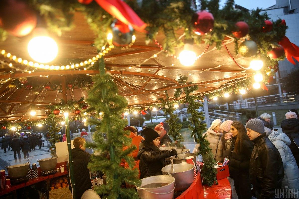 Уже совсем скоро, 19 декабря, на Софийской площади в Киеве откроется Главная елка страны / УНИАН