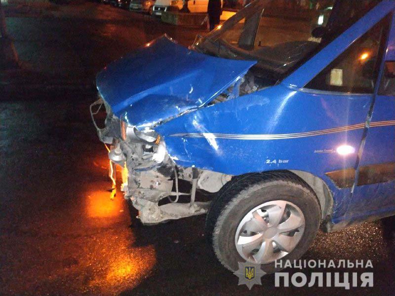 Пьяный угонщик не смог объяснить полиции, почему укралавто / фото rv.npu.gov.u