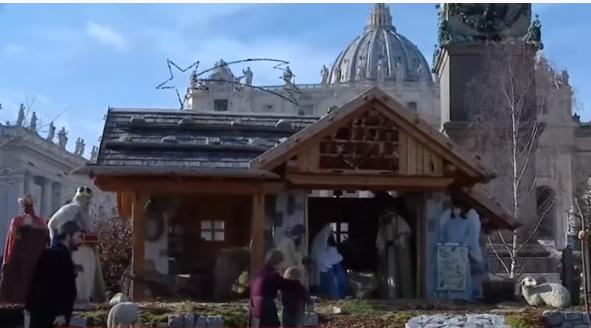 У вертепі відтворено біблійну сцену із стайні, де народився Ісус Христос / скріншот відео ТСН