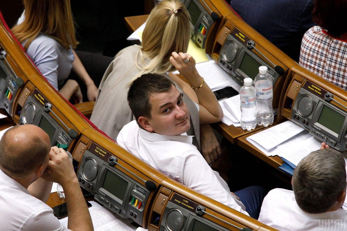 «Слуга народа» призывает правоохранителей отреагировать на избиение Ананченко / фото УНИАН