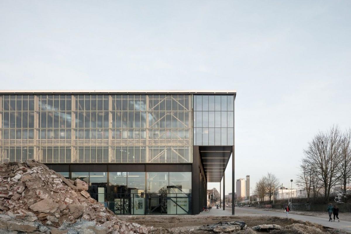 Будівля публічної бібліотеки у Тілбурзі визнана найкрасивішою / worldarchitecturefestival.com